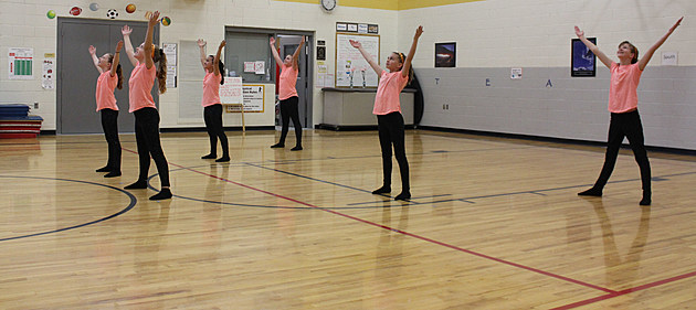 The six girls on the Sawooth Elementary dance team performed for teachers and students at the school on Tuesday. Dancers are Hailey Bowman, Korbynn Kelley, Noelle Aldama, Brea Mueller, Sygney Morris and Abbi Roberts. (Photo by Andrew Weeks)
