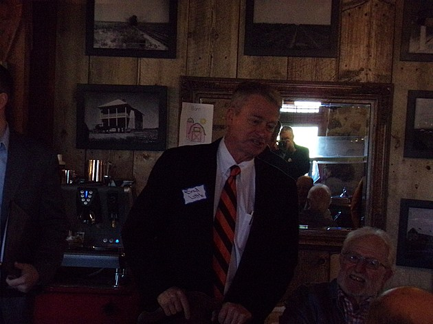 Little speaks with fellow Republicans in Jerome.  Courtesy, Bill Colley.
